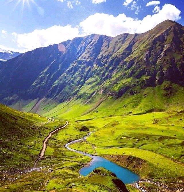Greenish Mini Ratti Gali beautiful places in Pakistan